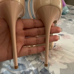 Steve Madden Shoes - Nude heels